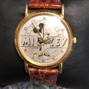 Vintage Disney Micky Mouse Gold Watch 1987